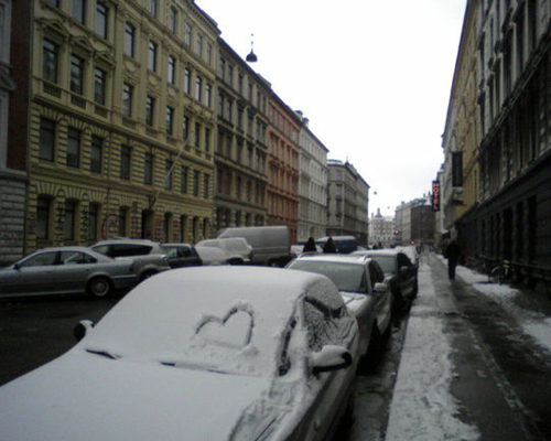 Fig 24: Heart in a windshield – user upload, 2009. The street is West End in Vesterbro